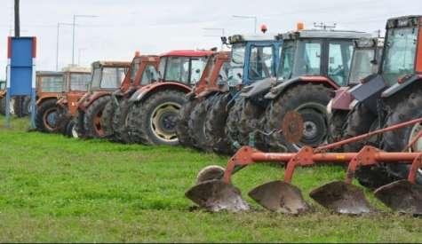 ΥπΑΑΤ : 800 εκατ. ευρώ στους αγρότες μέχρι το τέλος του έτους