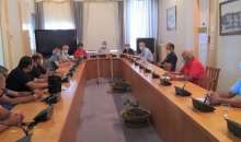 Συνάντηση με εκπροσώπους των ελαιουργών Δυτικής Κρήτης για την ελαιοκομική περίοδο